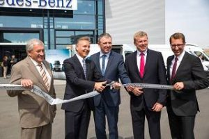 Mercedes NFZ Einweihung Pressefoto